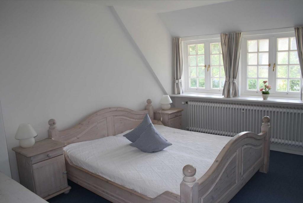 Reethaus-Sylt-Ferienwohnung-Schlafzimmer